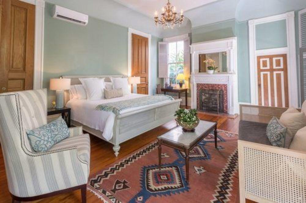 Sully Mansion Bed & Breakfast Inn 10