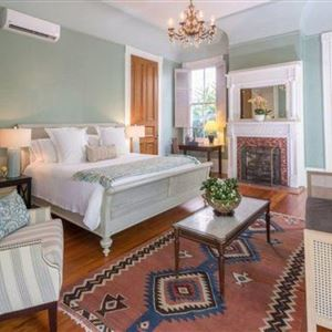 thumbnail: Sully Mansion Bed & Breakfast Inn 10