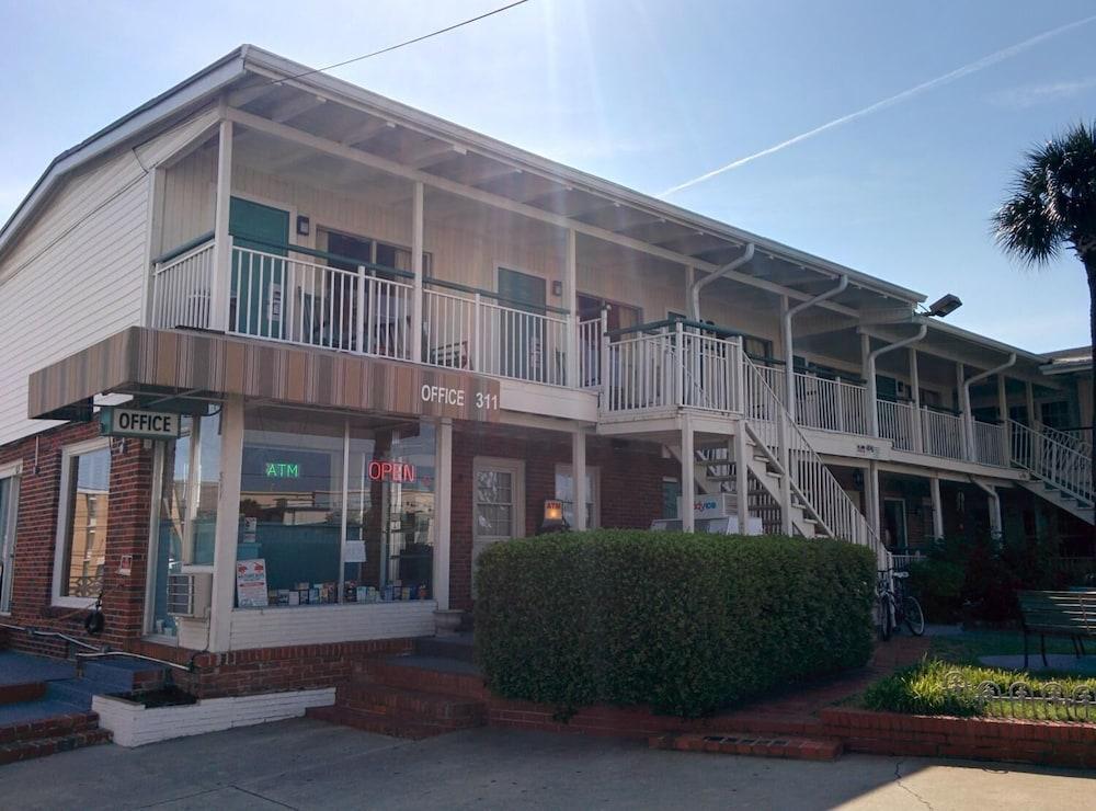 Wayfarer Motel 3